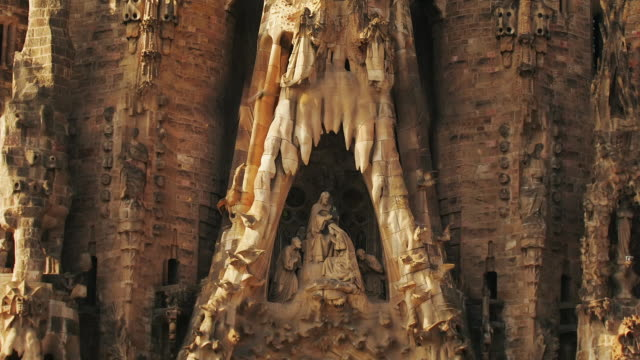 cu, zo, ws, sagrada familia, barcelona, spain - turmspitze stock-videos und b-roll-filmmaterial