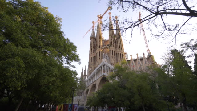 sagrada familia barcelona - sagrada familia stock-videos und b-roll-filmmaterial
