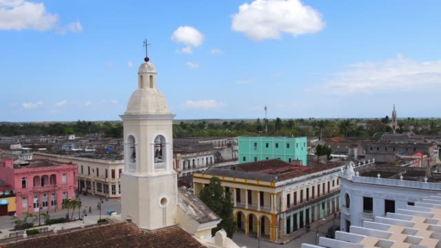 sagua la grande, cuba, bell tower in catholic church - kolonialstil stock-videos und b-roll-filmmaterial