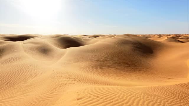 sahara von tunesien/great östliche sand und meer - extremlandschaft stock-videos und b-roll-filmmaterial