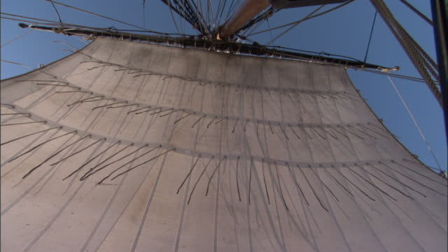 sail on replica of hms endeavour. - schiffsmast stock-videos und b-roll-filmmaterial