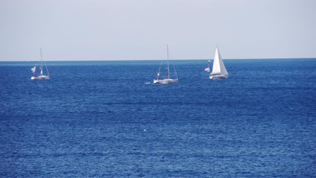 ls ヨット海をクルージング - sunny点の映像素材/bロール