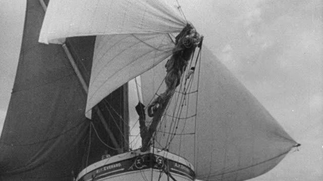 montage sailboats on the ocean - 1931年点の映像素材/bロール
