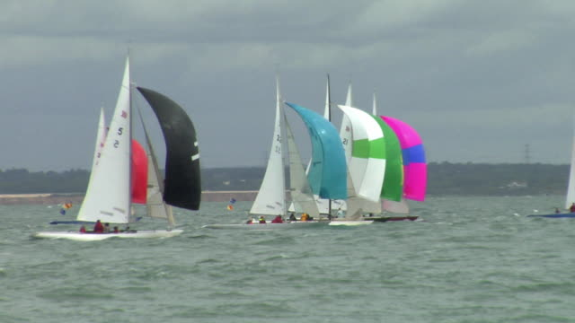ws ts sailboats on water / cowes, isle of wight, united kingdom - isle of wight stock videos & royalty-free footage