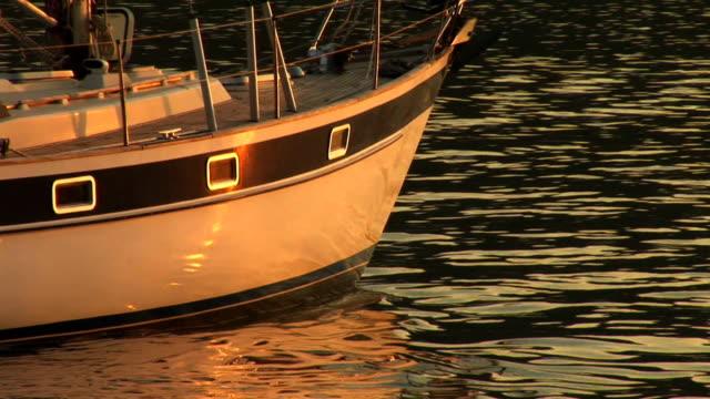 stockvideo's en b-roll-footage met hd: sailing at sunset - minder dan 10 seconden