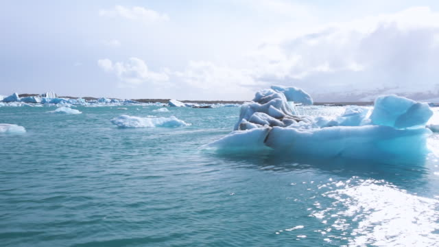 sailing in jokulsarlon lagoon, iceland - boat point of view stock videos & royalty-free footage