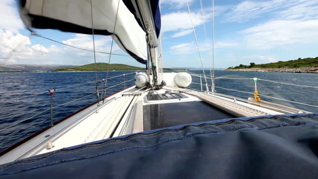 hd : セーリング、ウィンドセイルボート - 帆点の映像素材/bロール