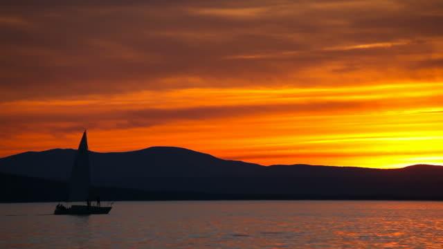 vídeos y material grabado en eventos de stock de navegación en el lago champlain - vermont