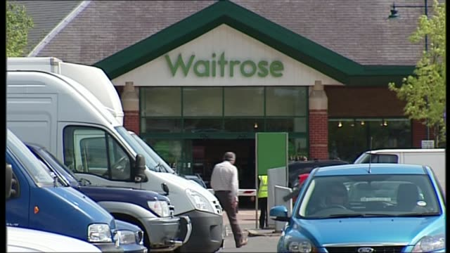 sainsbury's announces first annual profits fall in a decade; r30041407 hertfordshire: berkhamsted: ext general view of waitrose supermarket and car... - general view stock videos & royalty-free footage