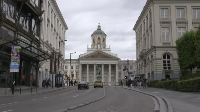 saint jacquessurcoudenberg from a city street in brussels belgium - music or celebrities or fashion or film industry or film premiere or youth culture or novelty item or vacations bildbanksvideor och videomaterial från bakom kulisserna