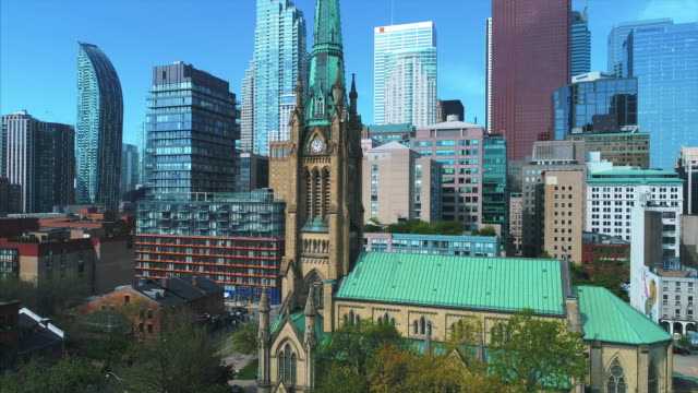 stockvideo's en b-roll-footage met saint james cathedral in the downtown district, toronto, canada - sociale geschiedenis