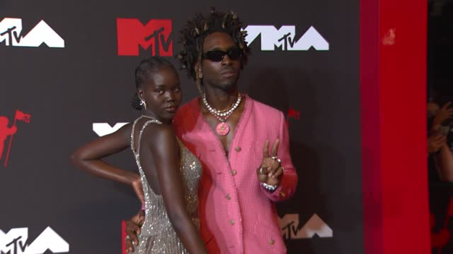 saint jhn and adut akech arrive at the 2021 mtv video music awards at barclays center on september 12, 2021 in the brooklyn borough of new york city. - mtv video music awards stock videos & royalty-free footage