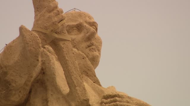 saint sculpture on vatican colonnade - st peter's square stock videos & royalty-free footage