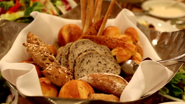 salad food and bread waiting for wedding ceremony, dolly shot - sweet potato stock videos & royalty-free footage