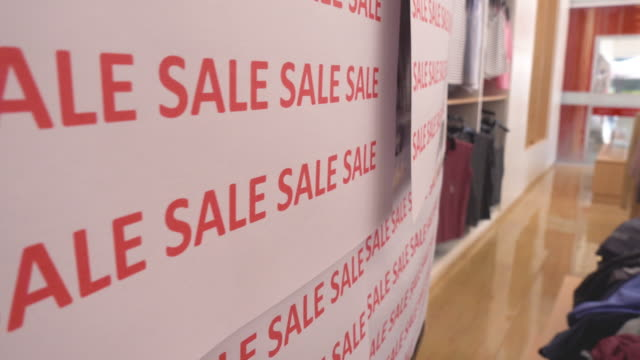 Sale sign discount for new year