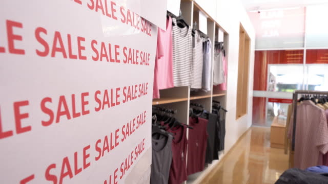Sale sign discount