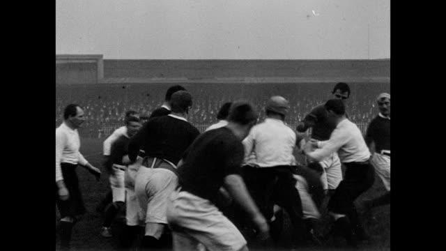 vidéos et rushes de 1901 salford plays batley in rugby - 1901
