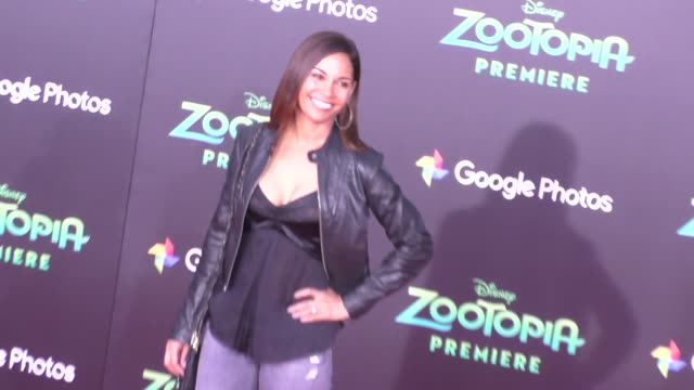 vidéos et rushes de salli richardson at the zootopia premiere at el capitan theatre in hollywood at celebrity sightings in los angeles on february 17 2016 in los angeles... - cinéma el capitan