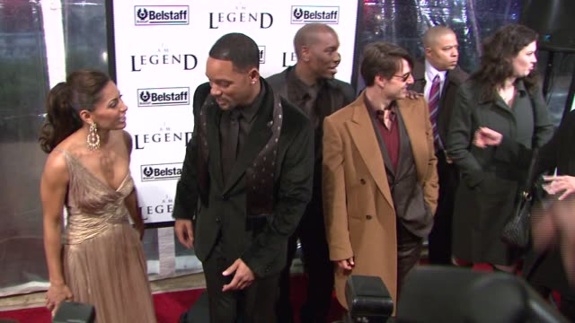 salli richardson will smith tyrese and tom cruise at the 'i am legend' premiere at madison square garden in new york new york on december 11 2007 - tyrese stock videos & royalty-free footage