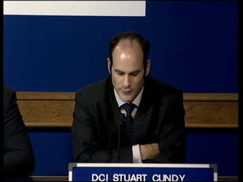Links to other attacks London INT Detective Chief Inspector Stuart Cundy press conference SOT white man in his 20s or 30s between 5'9 and 6ft with...