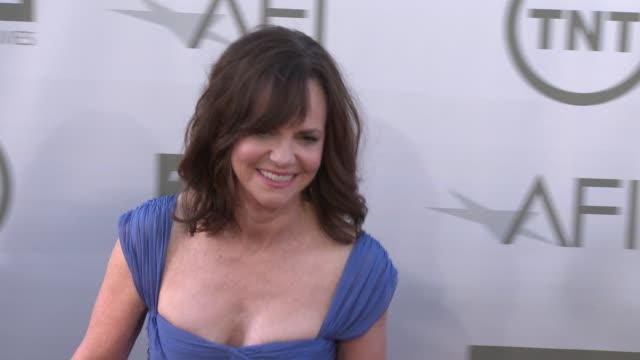 sally field at afi's 42nd life achievement award honoring jane fonda at dolby theatre on june 05 2014 in hollywood california - sally field stock videos & royalty-free footage