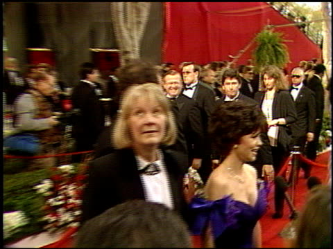 sally field at the 1992 academy awards at dorothy chandler pavilion in los angeles california on march 30 1992 - sally field stock videos & royalty-free footage