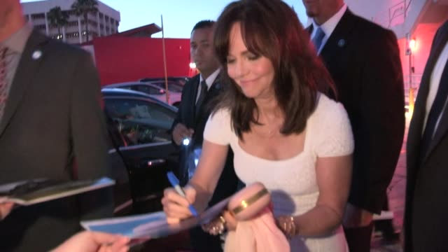 sally field greets fans at 'the amazing spiderman' premiere in los angeles 06/28/12 - sally field stock videos & royalty-free footage