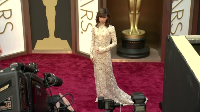 sally hawkins 86th annual academy awards arrivals at hollywood highland center on march 02 2014 in hollywood california - sally hawkins stock-videos und b-roll-filmmaterial
