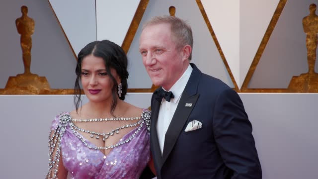 vídeos de stock, filmes e b-roll de salma hayek and françoishenri pinault at dolby theatre on march 04 2018 in hollywood california - salma hayek