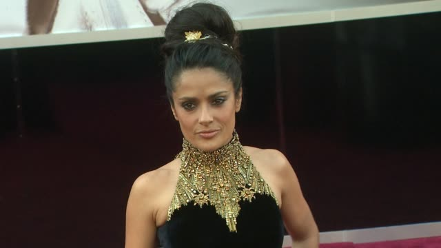 stockvideo's en b-roll-footage met salma hayek at 85th annual academy awards arrivals on 2/24/13 in los angeles ca - salma hayek