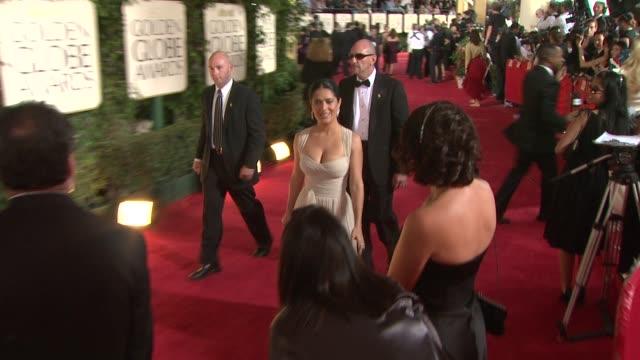 stockvideo's en b-roll-footage met salma hayek at the 66th annual golden globe awards arrivals part 2 at los angeles ca - salma hayek