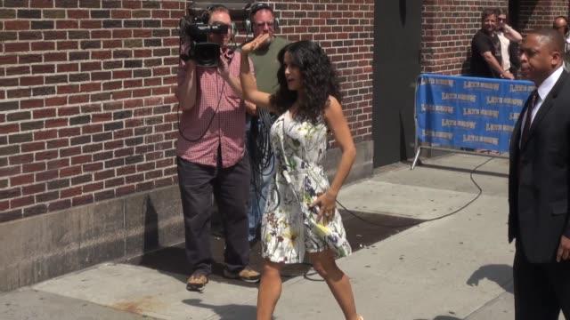 stockvideo's en b-roll-footage met salma hayek at the 'late show with david letterman' studio in new york ny on 7/10/13 - salma hayek