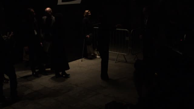 stockvideo's en b-roll-footage met salma hayek françoishenri pinault at saint laurent pfw a/w 2015 on march 09 2015 in paris france - salma hayek