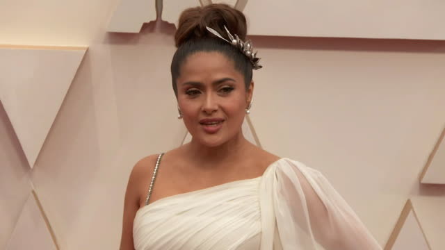 salma hayek walking the red carpet at the 92nd annual academy awards at the dolby theater in los angeles, california. - music or celebrities or fashion or film industry or film premiere or youth culture or novelty item or vacations 個影片檔及 b 捲影像