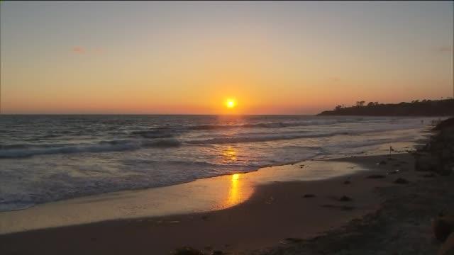 ktla salt creek beach in dana point - romantische stimmung stock-videos und b-roll-filmmaterial