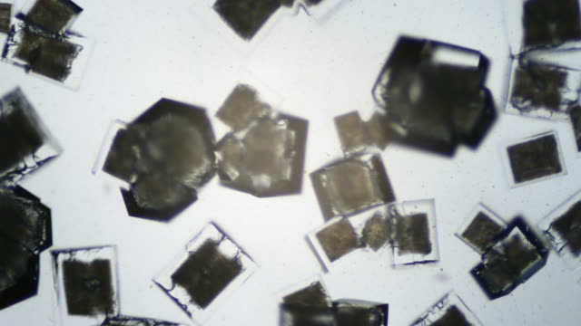 Salt crystallizing UHDV