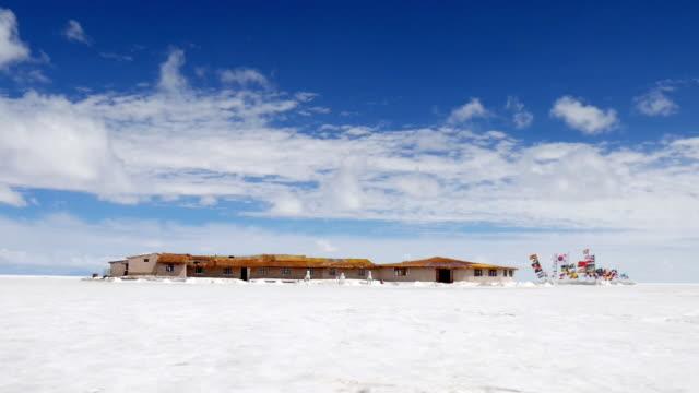 salt hotel in the uyuni salar - bolivien stock-videos und b-roll-filmmaterial
