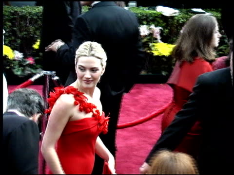 sam mendes at the 2002 academy awards arrivals at the kodak theatre in hollywood california on march 24 2002 - sam mendes stock videos & royalty-free footage