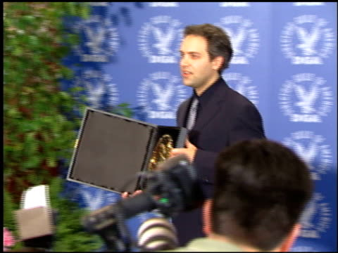 sam mendes at the dga awards press room at fox studios in los angeles californis on march 5 2000 - sam mendes stock videos & royalty-free footage
