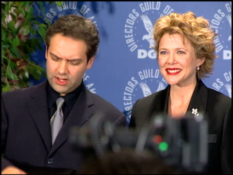 sam mendes at the dga awards press room on march 11 2000 - sam mendes stock videos & royalty-free footage