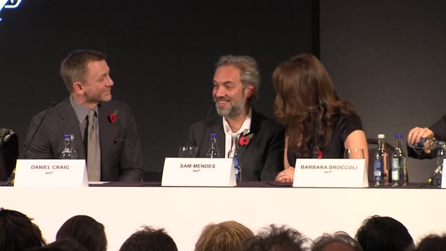 vídeos de stock, filmes e b-roll de sam mendes on directing more bond movies at the bond 23 launch press conference skyfall at london england - james bond trabalho conhecido