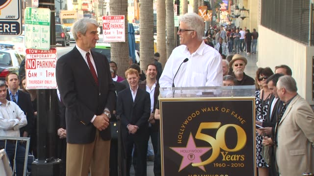 vídeos de stock, filmes e b-roll de sam waterston and ted danson at the sam waterston honored with a star on the hollywood walk of fame at hollywood ca - ted danson