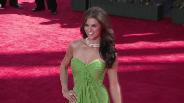 samantha harris at the 61st annual primetime emmy awards arrivals part 2 at los angeles ca - annual primetime emmy awards stock-videos und b-roll-filmmaterial