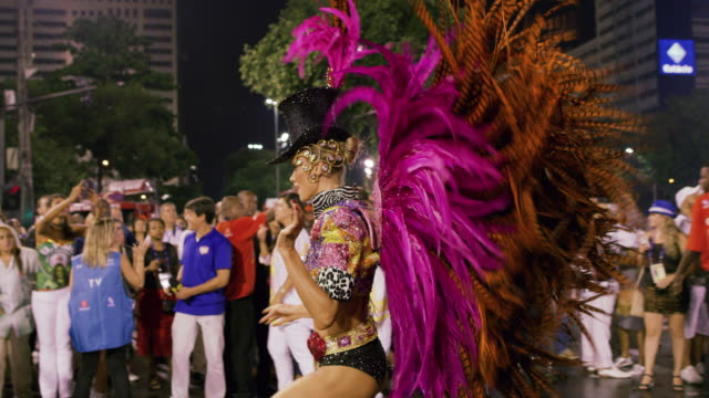 slo mo, ms samba dancers at rio carnival / rio de janeiro, brazil - hot pink stock videos & royalty-free footage