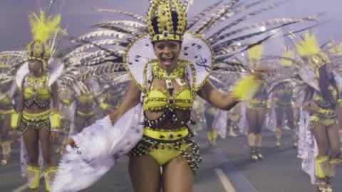 vídeos y material grabado en eventos de stock de ms samba dancers at rio carnival / rio de janeiro, brazil - culturas