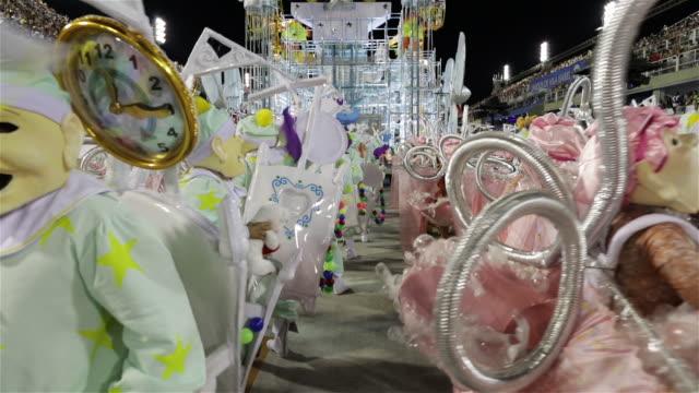 ms a samba school parades at rio sambadrome / rio de janeiro, brazil - リオデジャネイロ点の映像素材/bロール