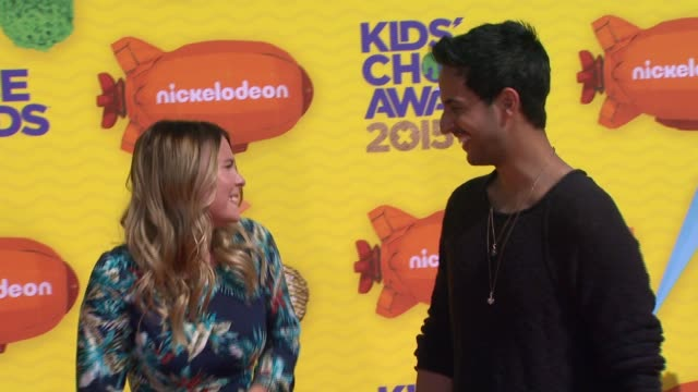 stockvideo's en b-roll-footage met sami slimani and dagi bee at nickelodeon's 28th annual kids' choice awards at the forum on march 28 2015 in inglewood california - nickelodeon
