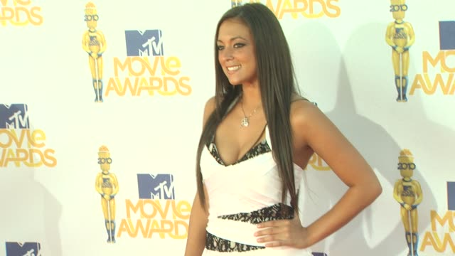 sammi 'sweetheart' giancola at the 2010 mtv movie awards at universal city ca. - mtvムービー&tvアワード点の映像素材/bロール