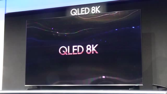 stockvideo's en b-roll-footage met samsung and sony have shown off their new devices and old favourites at the ces exhibition in las vegas. samsung's offerings include the new family... - television game show