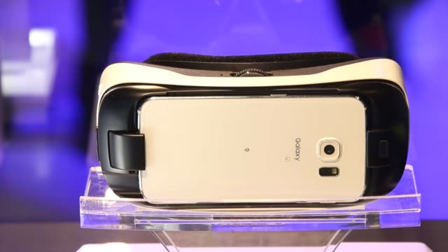 stockvideo's en b-roll-footage met samsung electronics co.'s galaxy gear virtual-reality headset is displayed in the oculus vr inc. booth at the tokyo game show 2015 at makuhari messe... - television game show